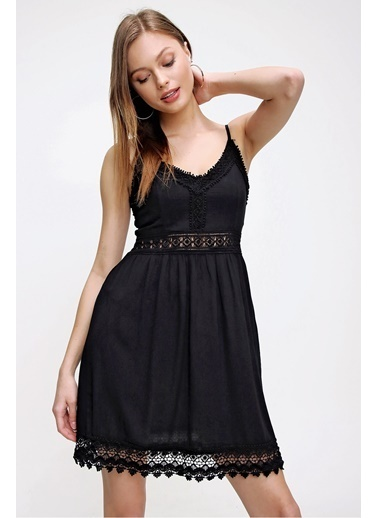 Butikburuç Kadın Ekru Askılı Bel Dantel İşleme Elbise Siyah